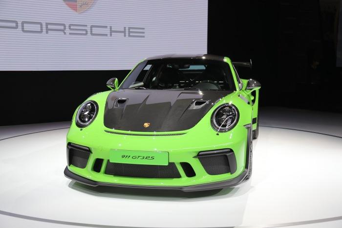Porsche 911 GT3 RS Weissach - image 4