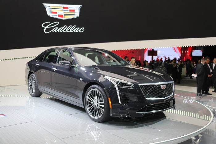 2019 Cadillac CT6 V-Sport LIVE - image 2