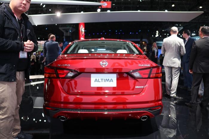 2019 Nissan Altima LIVE - image 5
