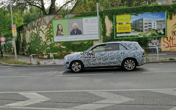 Mercedes-Benz GLE Prague spy shots - image 2