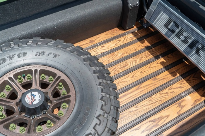 Bruiser Jeep Wrangler 6x6 - image 7