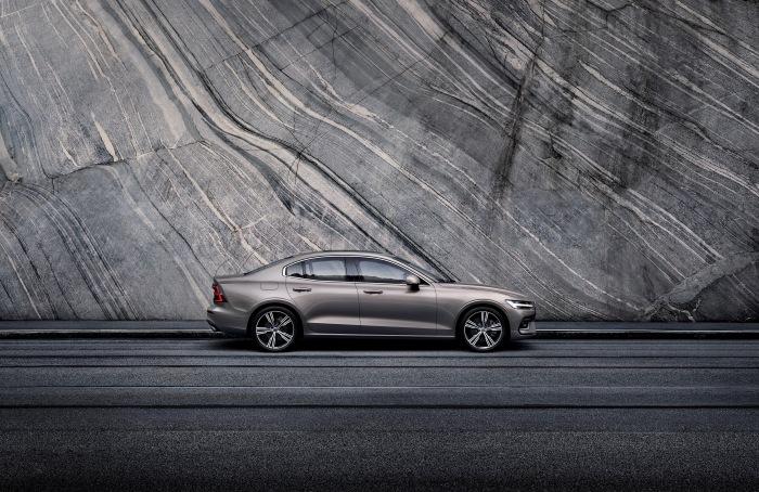 Volvo S60 2019 - image 4