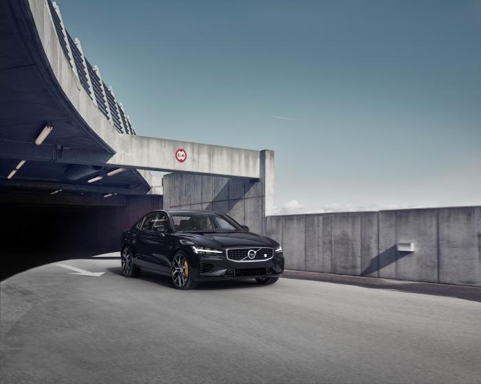 Volvo S60 2019 - image 18