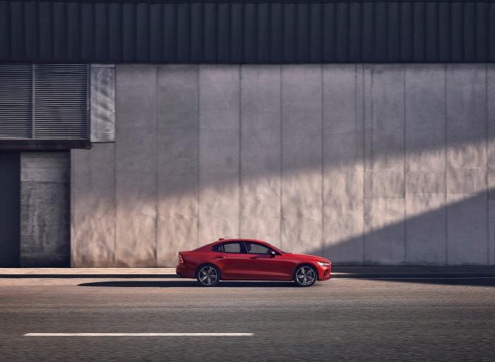 Volvo S60 2019 - image 27