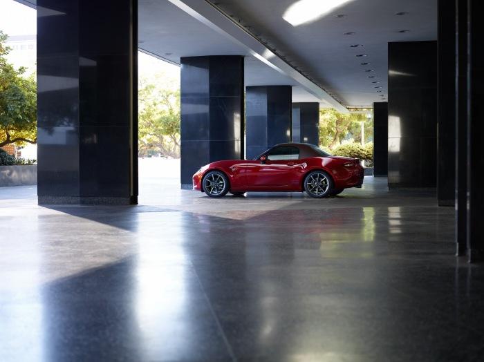 2019 Mazda MX-5 Miata Red - image 2