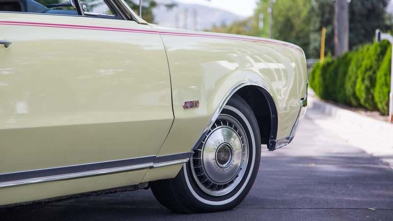 1967 Oldsmobile 442 Convertible - image 803585