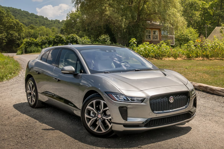 02-jaguar-i-pace-2019-angle--exterior--front--silver.jpg