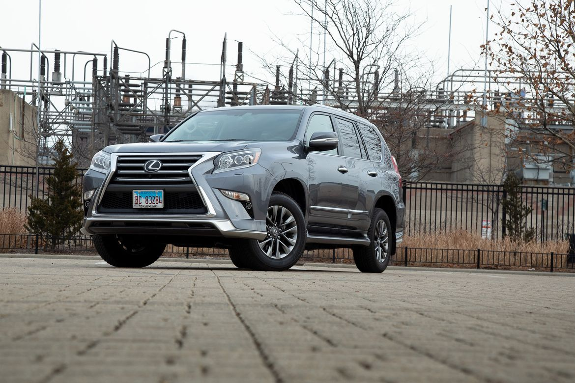 16-lexus-gx-460-2019-angle--exterior--front--grey.jpg