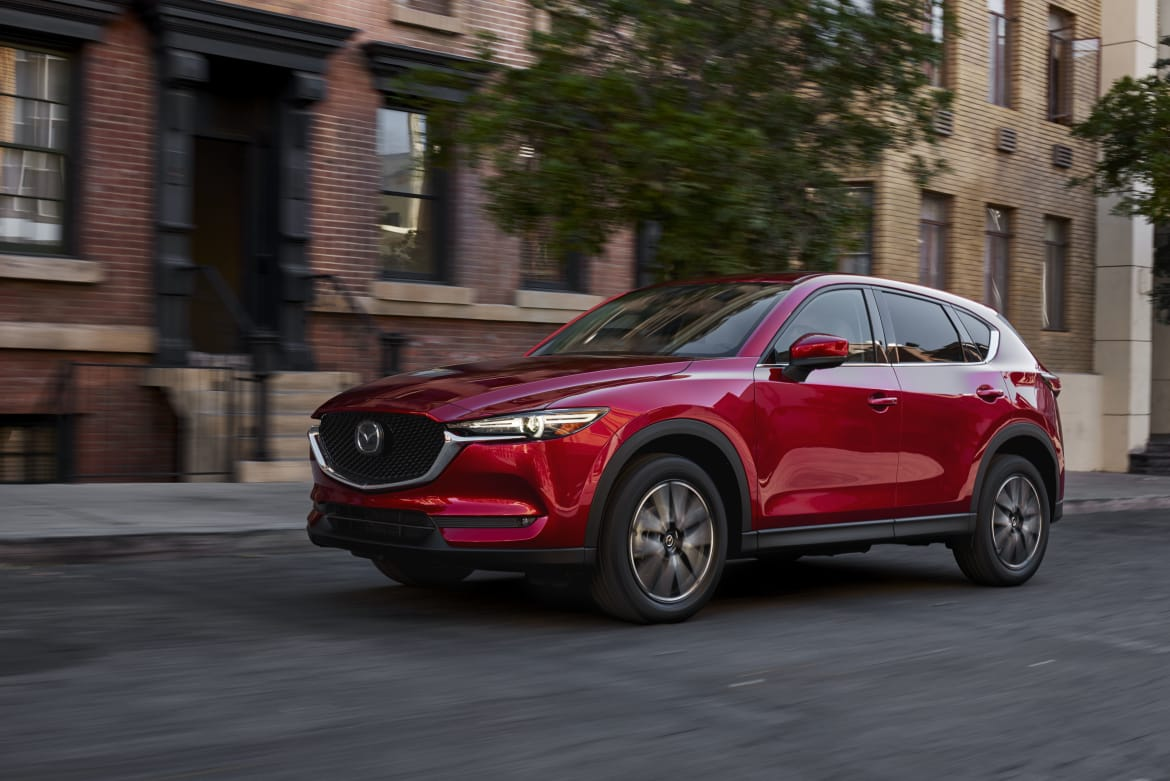 01-mazda-cx-5-2019-angle--exterior--front--red--urban.jpg