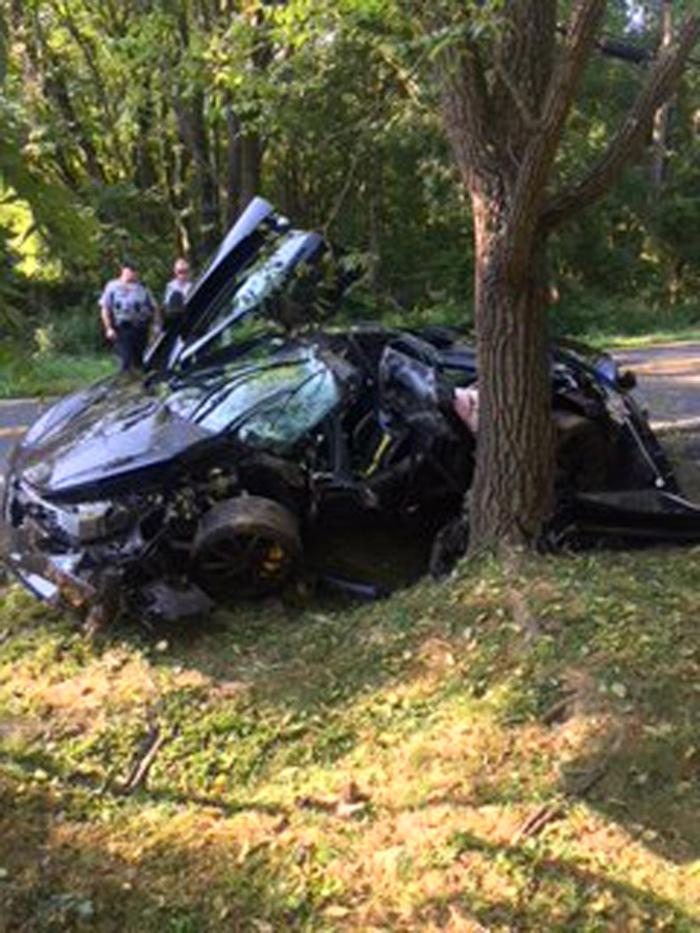 McLaren 720S crash picture - image 1