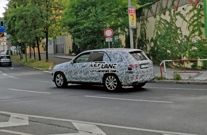 Mercedes-Benz GLE Prague spy shots - image 1