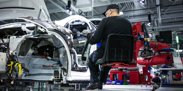 Tesla signs deal to open Shanghai factory